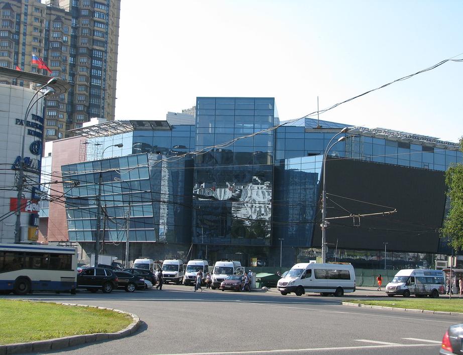 torgoviy-tsentr-avenyu-yugo-zapadnaya-kinoteatr